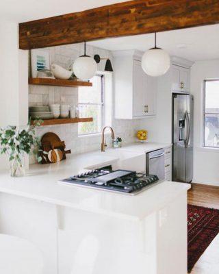 Nội thất bếp đơn giản, ấm áp