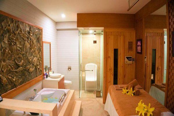 Nhà tắm dduwwocj thiết kế ội thất bằng gỗ đạt chuẩn 5 sao