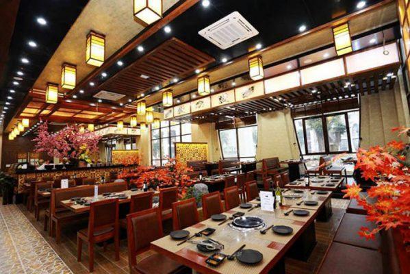 Nhà hàng rộng nội thất hiện đại