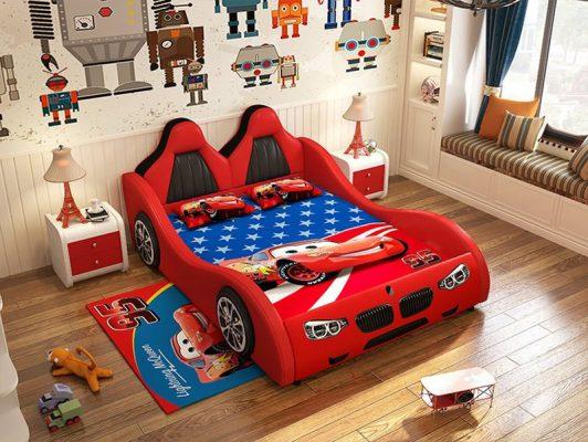 Nội thất phòng ngủ cho bé trai với mô hình ô tô