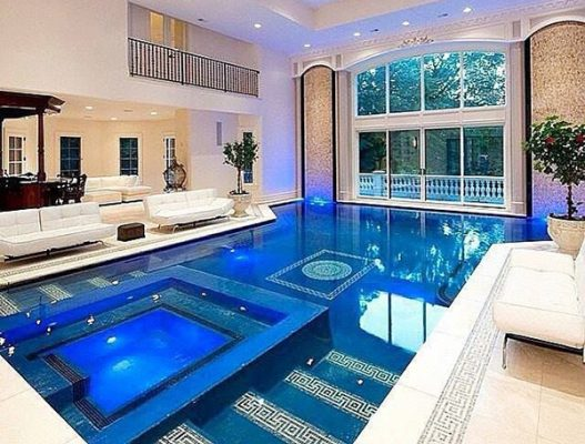 Thiết kế biệt thự có bể bơi đặt trong nhà